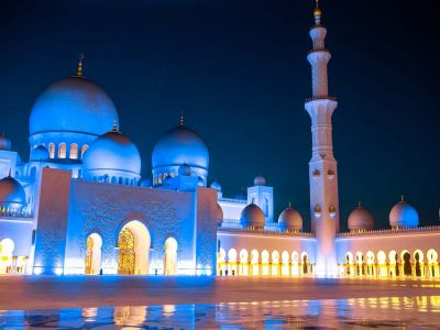 Abu Dhabi day tour to Sheikh Zayed Mosque and Ferrari World